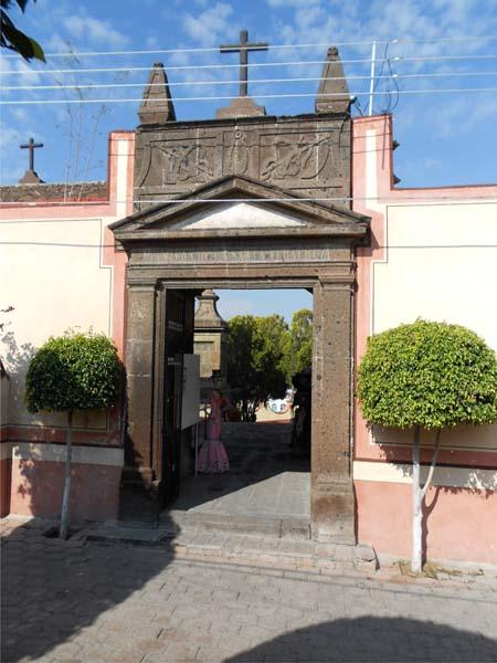 001 Museo de la Muerte entrada