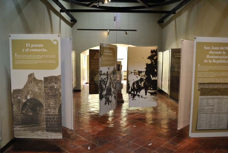 003 Sala de Historia Aurora Castillo -acceso- (4)
